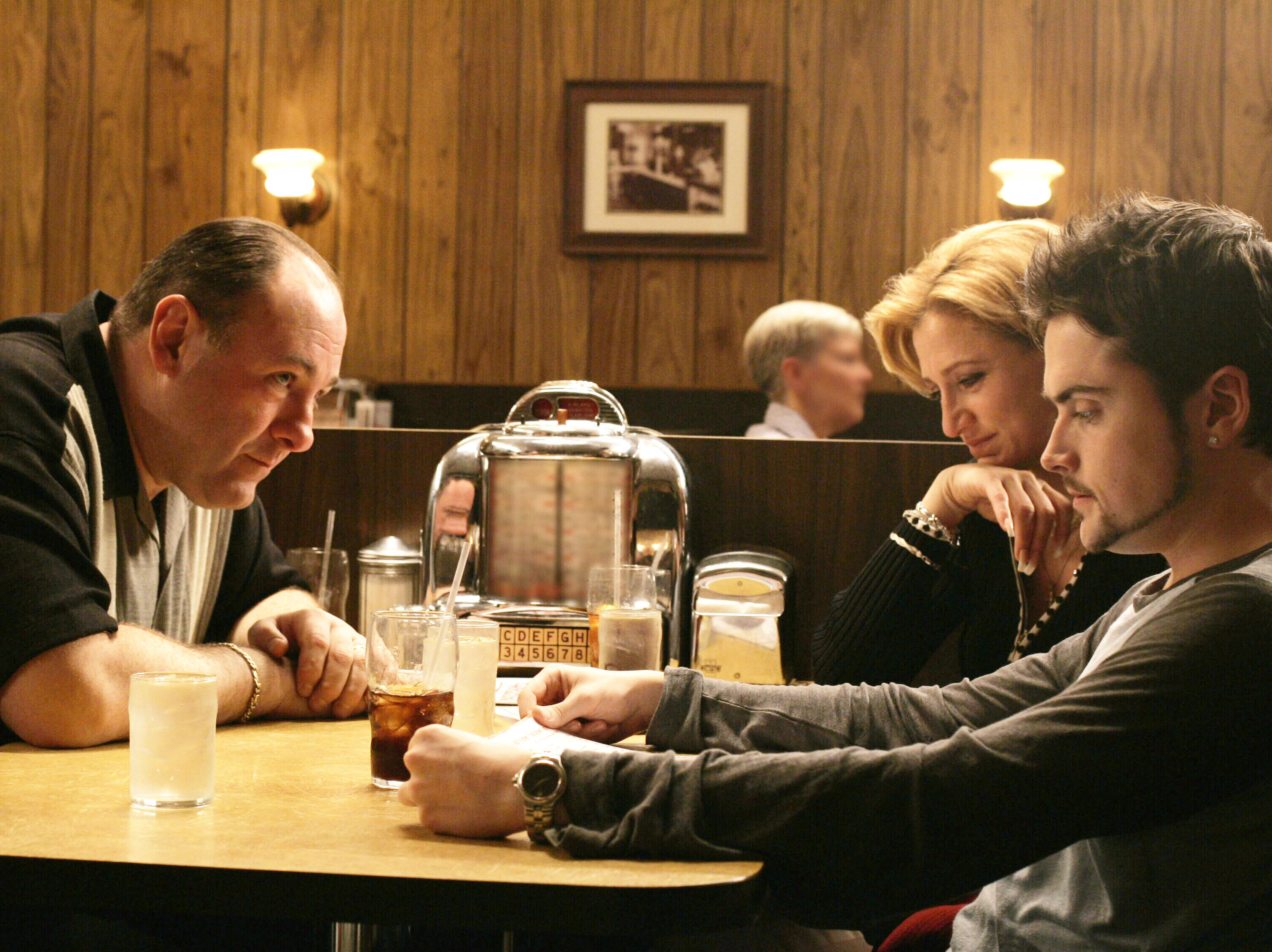 Don't stop believin': 'The Sopranos' came to an iconic end with the abrupt cut to black in 'Made in America'