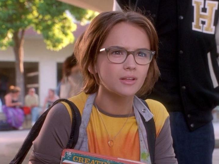 Glasses do not a nerd make: Rachel Leigh Cook in 'She's All That'