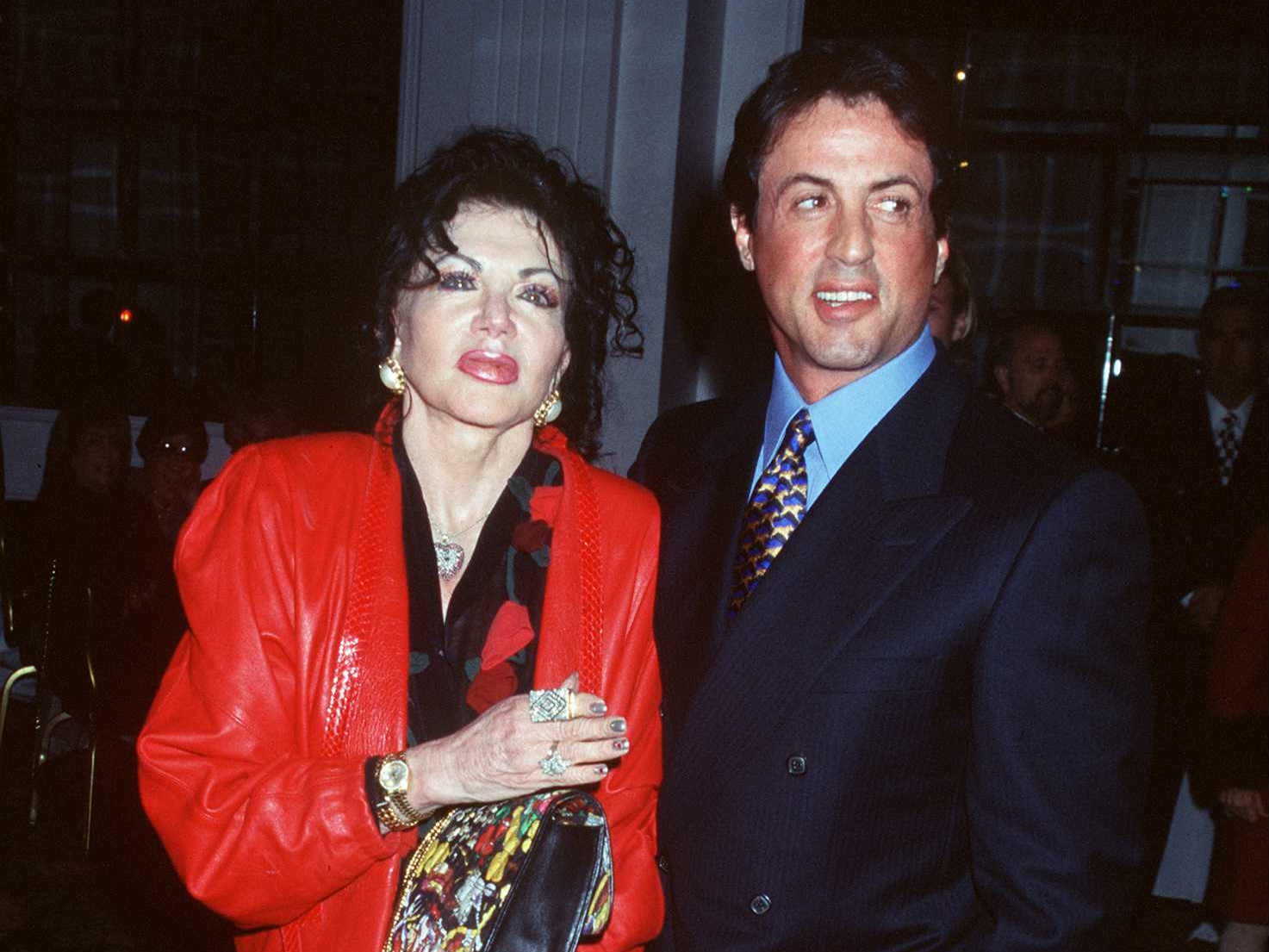 Jackie et Sylvester Stallone assistent aux Golden Apple Awards en 1997 à Beverly Hills, Californie
